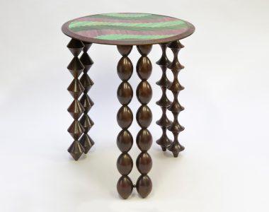 Table «Cheyennes», plateau violet-rose